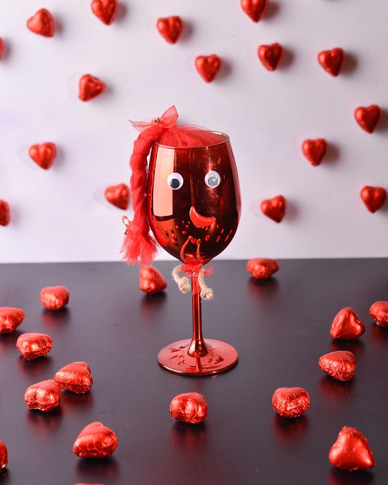 Kırmızı Kadeh Çikolata  2