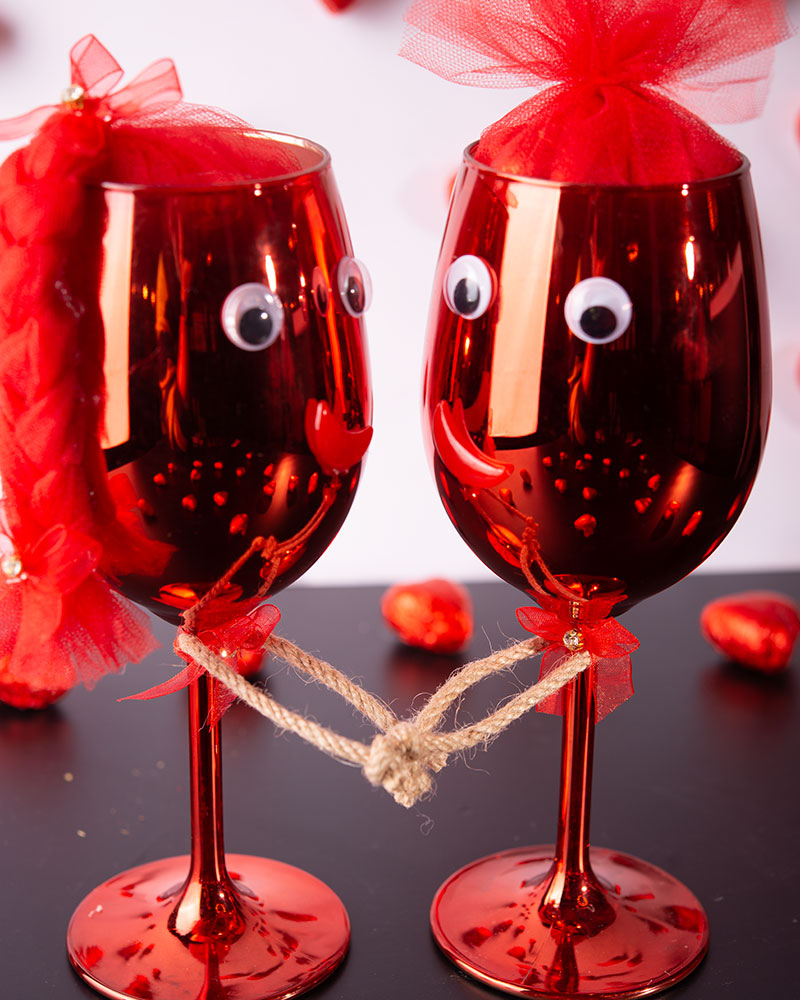 Kırmızı Kadeh Çikolata  6