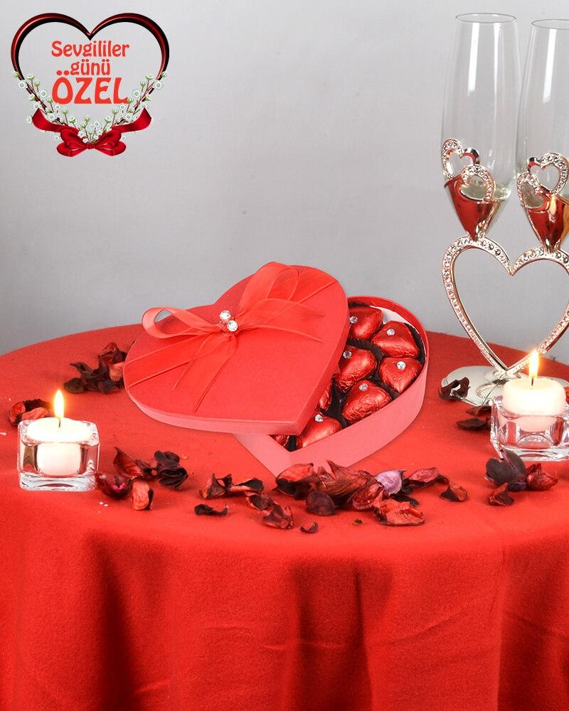 Kırmızı Kalpli Sevgiliye Çikolata Kutusu