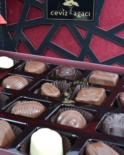 Ahşap Special Çikolata Kutusu 2