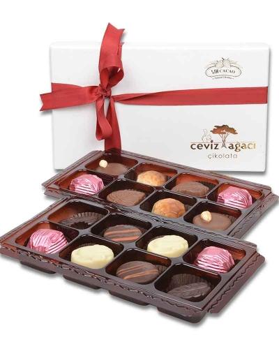 İki Katlı Beyaz Çikolata Kutusu 1