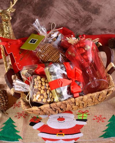 Çikolatalı Yılbaşı Sepeti 1