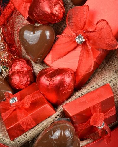 Hediyeli Sevgiliye Çikolata Kutusu 3