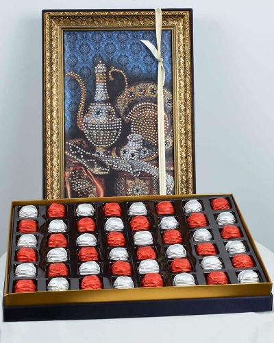 Taş İbrik 48'li Çikolata Kutusu 1
