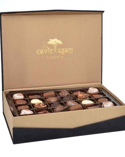 Tay Tüyü Siyah Çikolata Kutusu 2