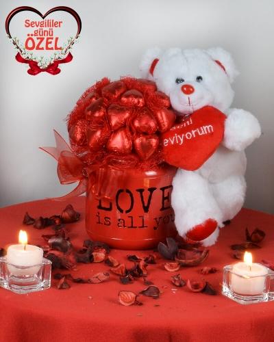 Tek İhtiyacım Aşk Sevgiliye Çikolata