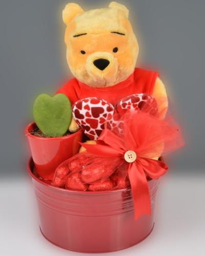 Winnie The Pooh Sevgililer Günü Çikolata Sepeti 2