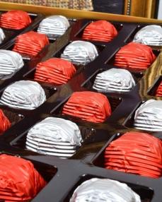 Kaftan 48'li Çikolata Kutusu  1