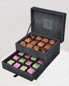 King Special Küçük Siyah Çikolata Kutusu  1