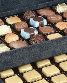 King Special Siyah Çikolata Kutusu  1