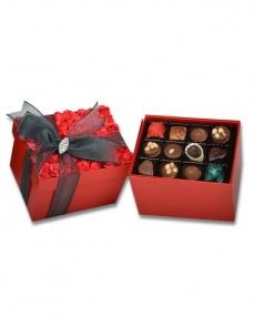 Kırmızı Gül Kapaklı Çikolata Kutusu