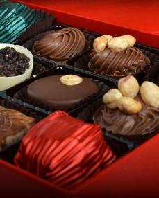 Kırmızı Gül Kapaklı Yılbaşı Çikolatası  2