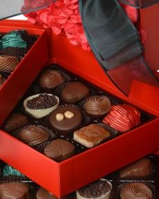 Kırmızı Gül Kapaklı Yılbaşı Çikolatası  3