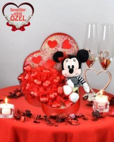 Şirin Aşık Sevgiliye Çikolata Sepeti  0