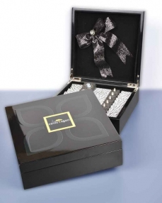 Siyah Ahşap Special Hediyelik Çikolata