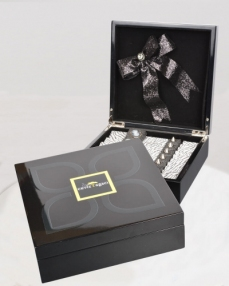Siyah Ahşap Special Hediyelik Çikolata  0