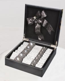 Siyah Ahşap Special Hediyelik Çikolata  1