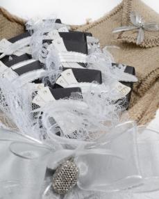 Siyah Beyaz Çikolata Demeti  1
